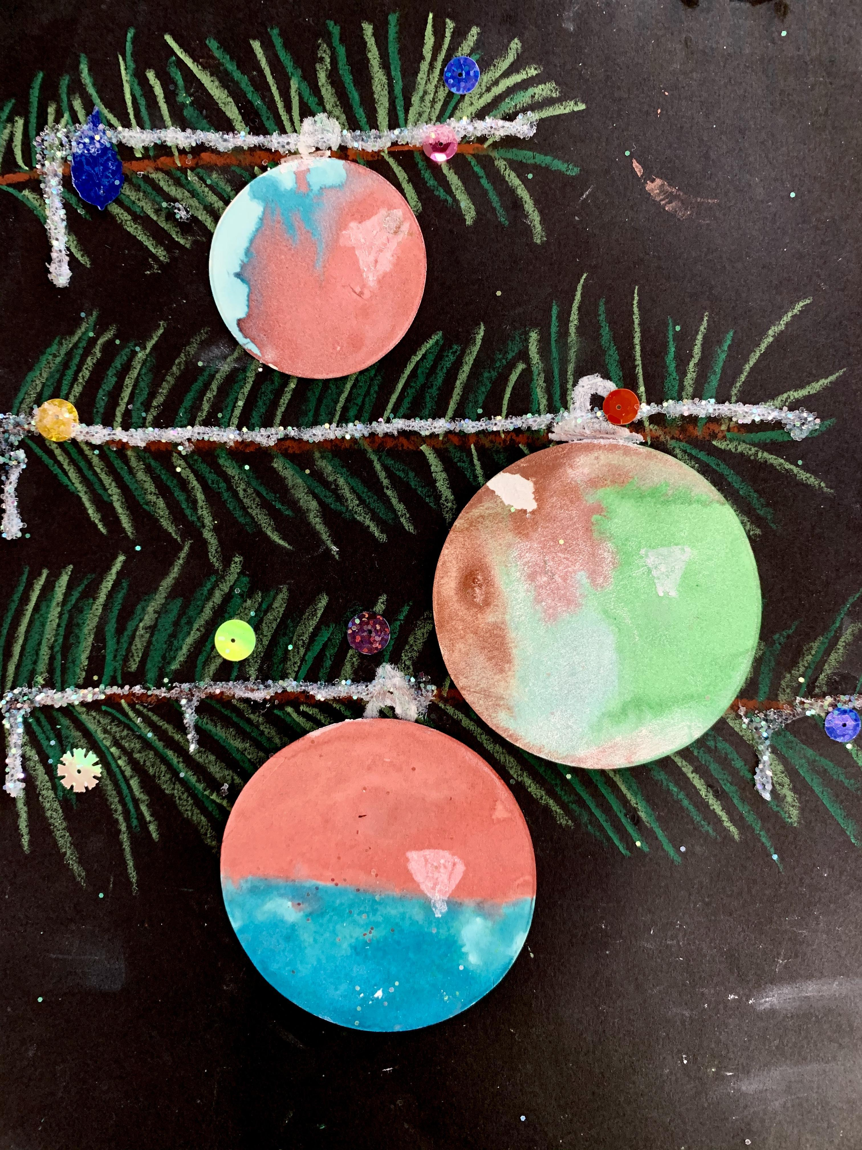 Pine Tree with Ornament 10
