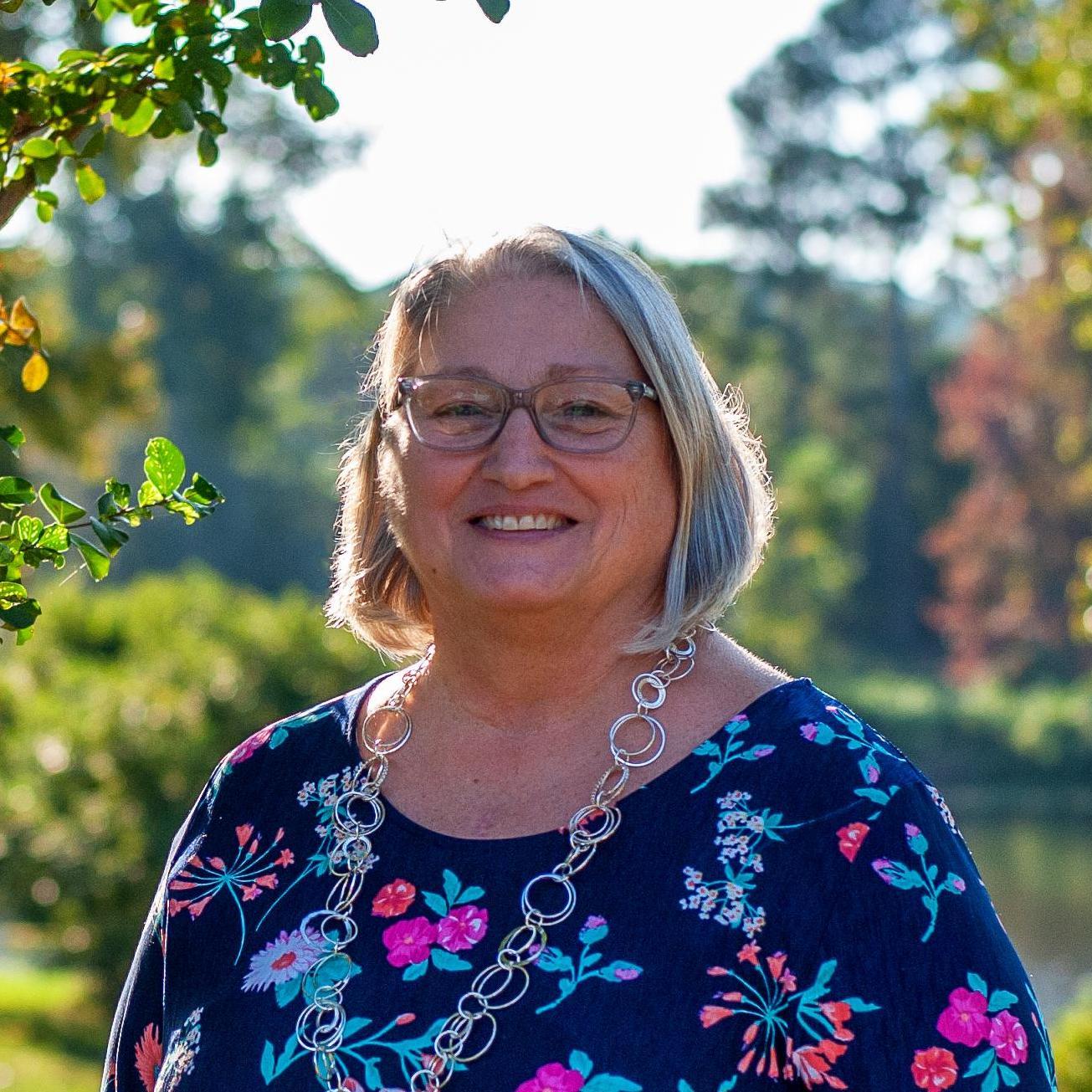 Lynn Crews's Profile Photo