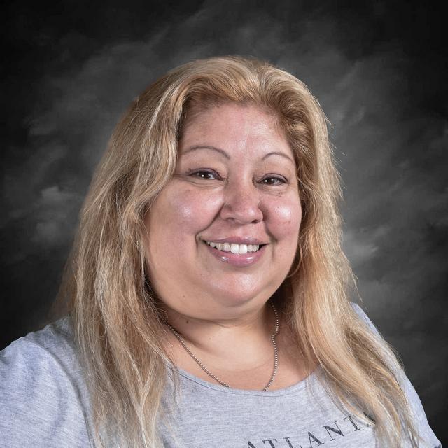 Myrna Albanez's Profile Photo