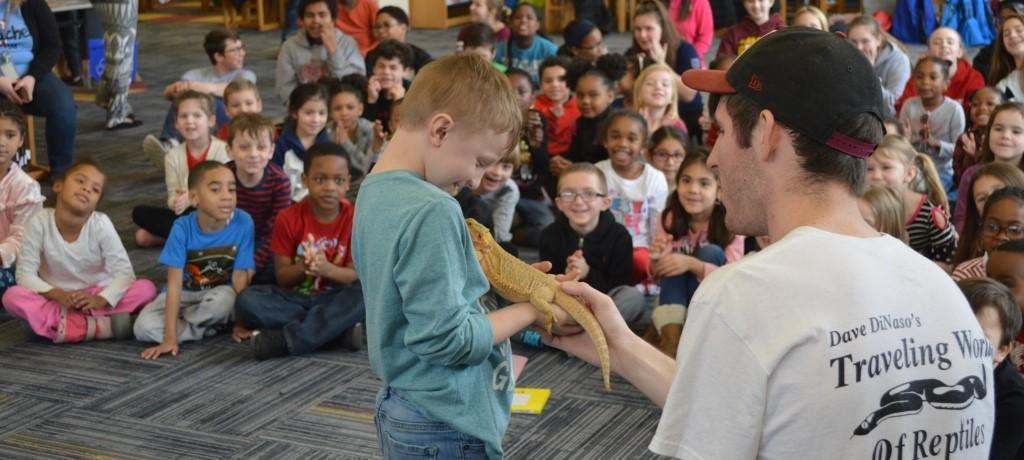 kindergartner meeting lizard