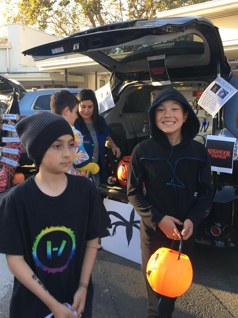 students at trunk or treat
