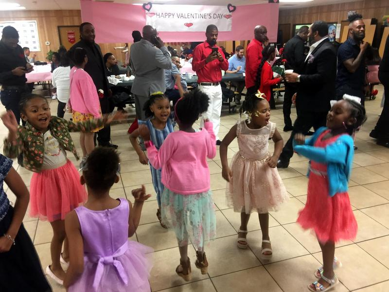 Daddy/Daughter Dance on night before Valentine's Day Featured Photo