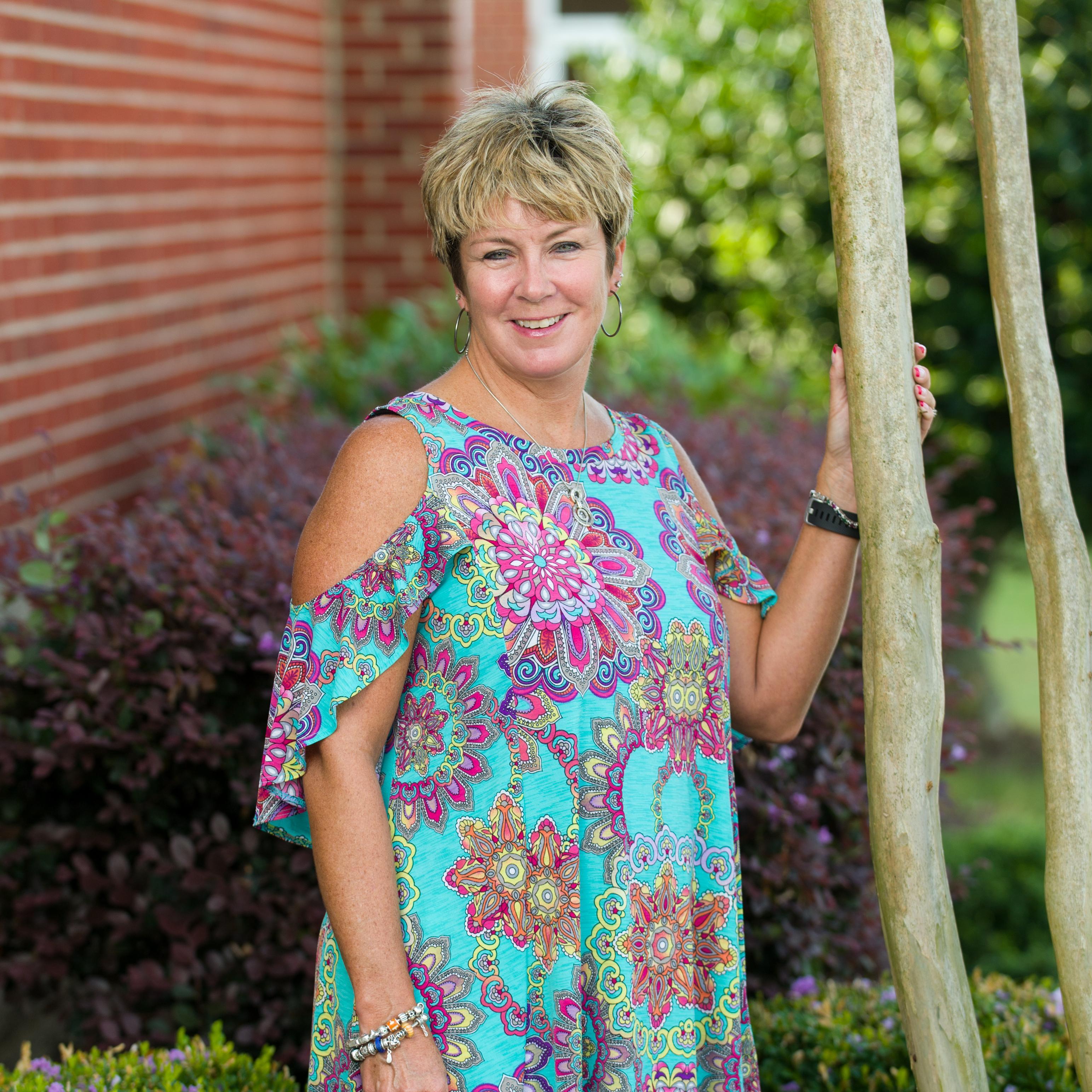 Tina Renea Jones's Profile Photo