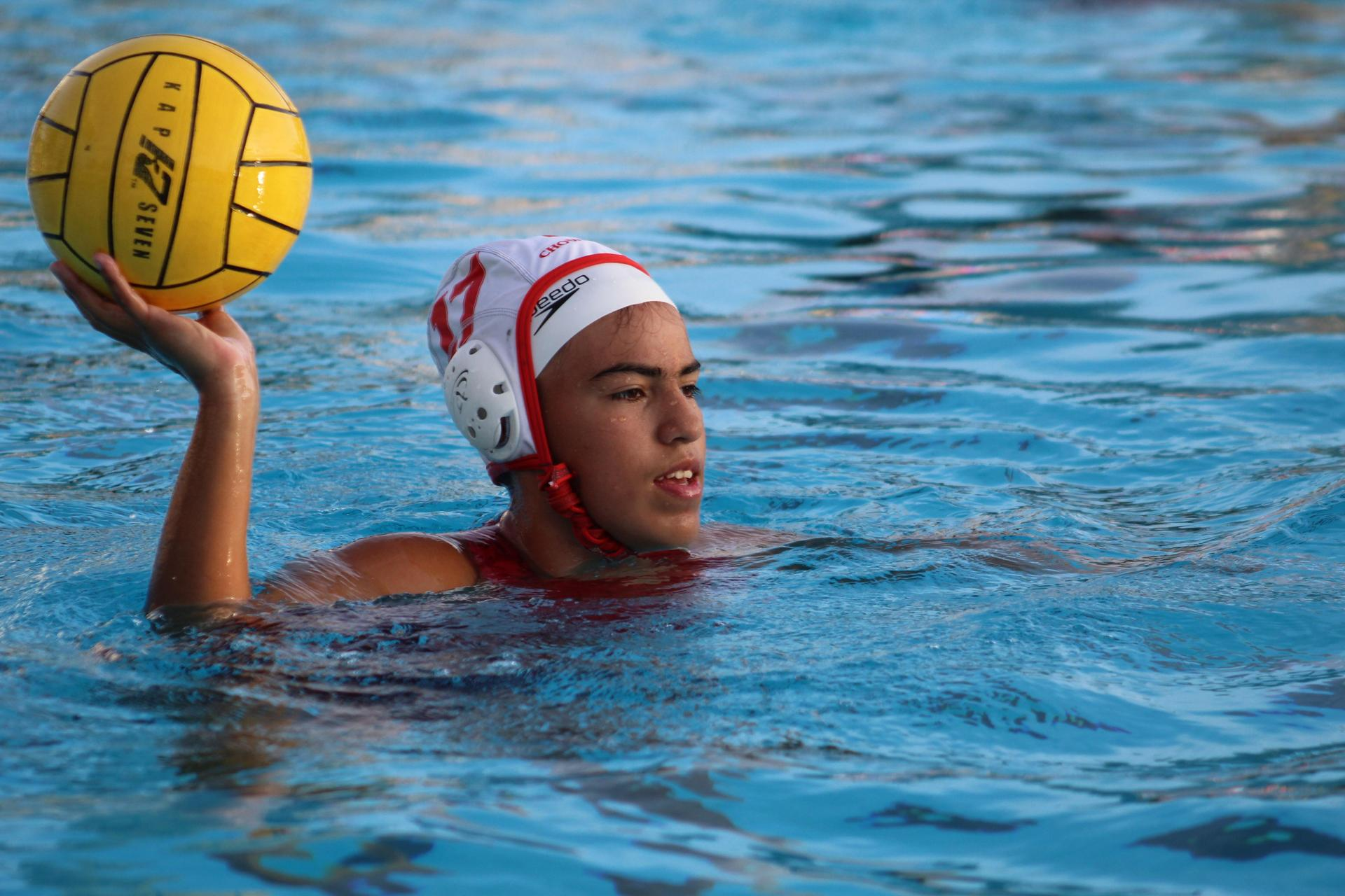 Girls Waterpolo getting ready to play against Central