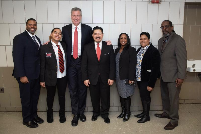 Mayor de Blasio Hosted Parent Leader Forum at Boys and Girls High School Featured Photo