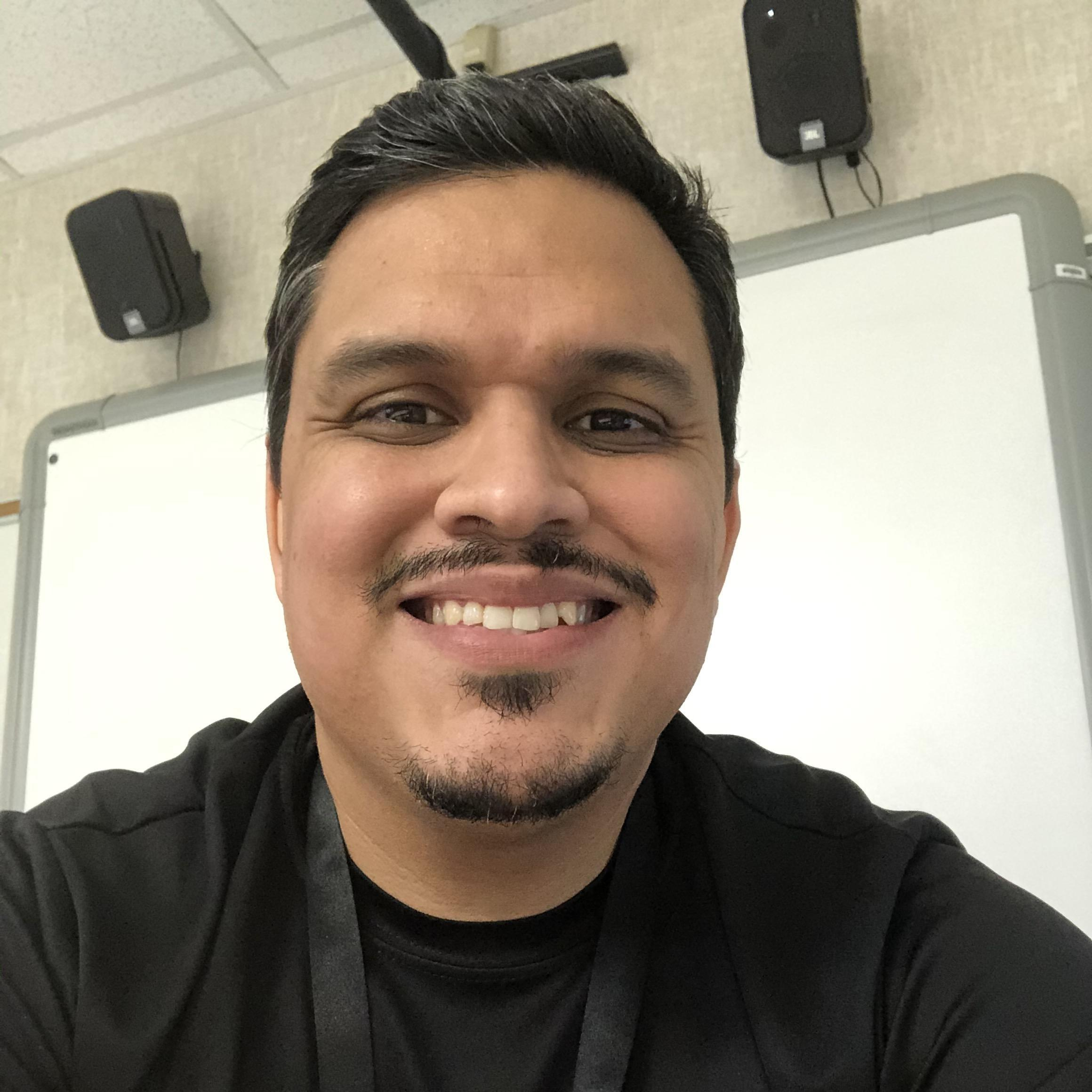 Mario Flores's Profile Photo