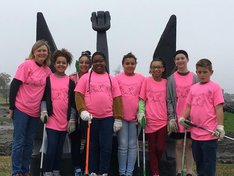 WOS Elementary Student Council Members / group photo at Trash Off