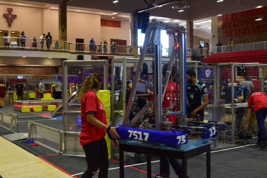 7515 getting ready to take the robot to the field