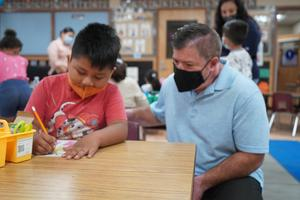 Dr. Guevara visits kinder classroom