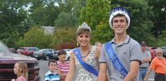 Queen Alexandria Edwards and King Ben Nolte in the homecoming parade.