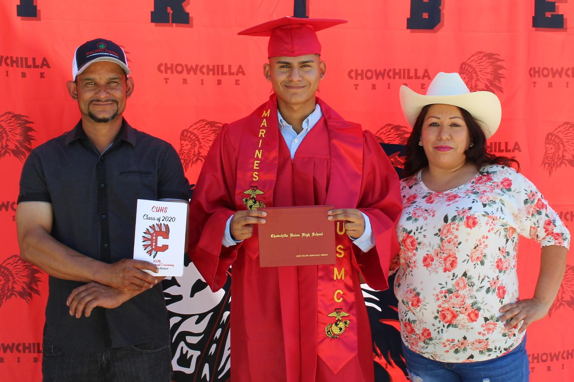 Juan Gonzalez- Ordaz and family