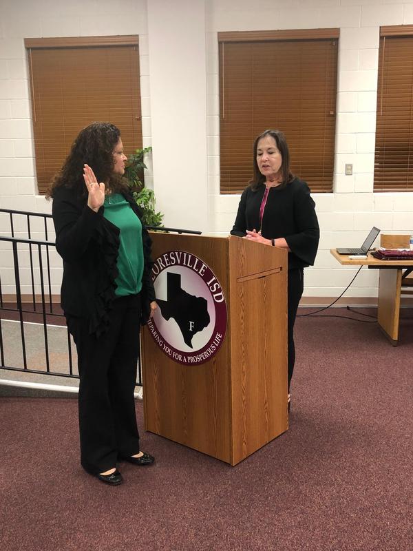 Angela Morales-Turner being sworn-in as an FISD Board Member
