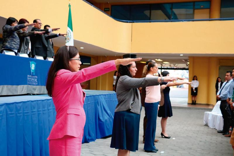 Alumnos de nuevos ingreso en Juramento Universitario Featured Photo