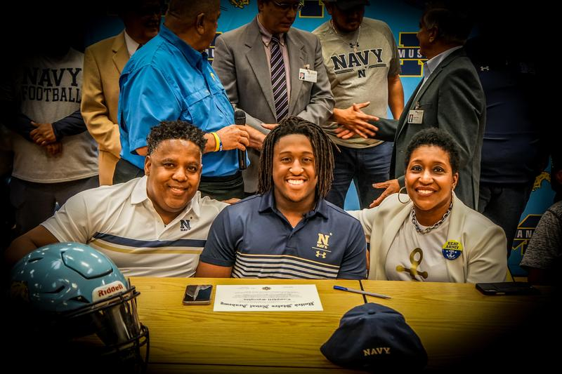 Campbell Speights signs with Navy 1