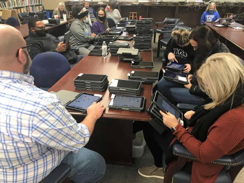 SEHS iPad Distribution Day