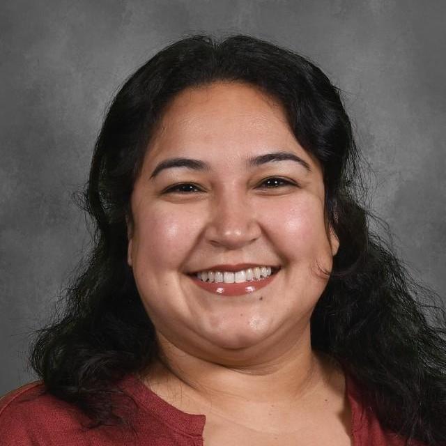 Lynelle Lujan's Profile Photo