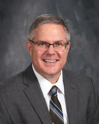 Board Extends Superintendent's Contract Featured Photo