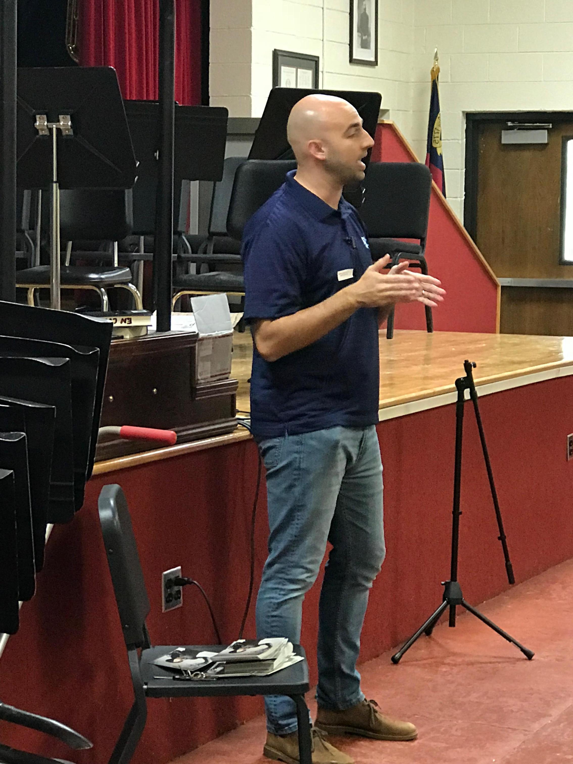Author Scott Reignten visits the sixth grade students.