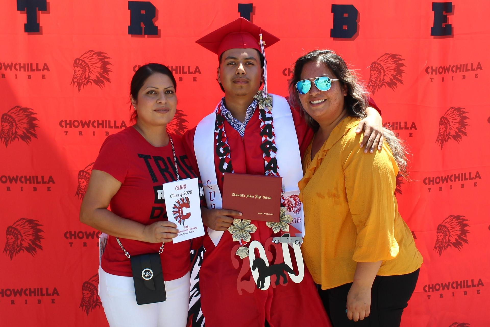 Miguel Lara and family