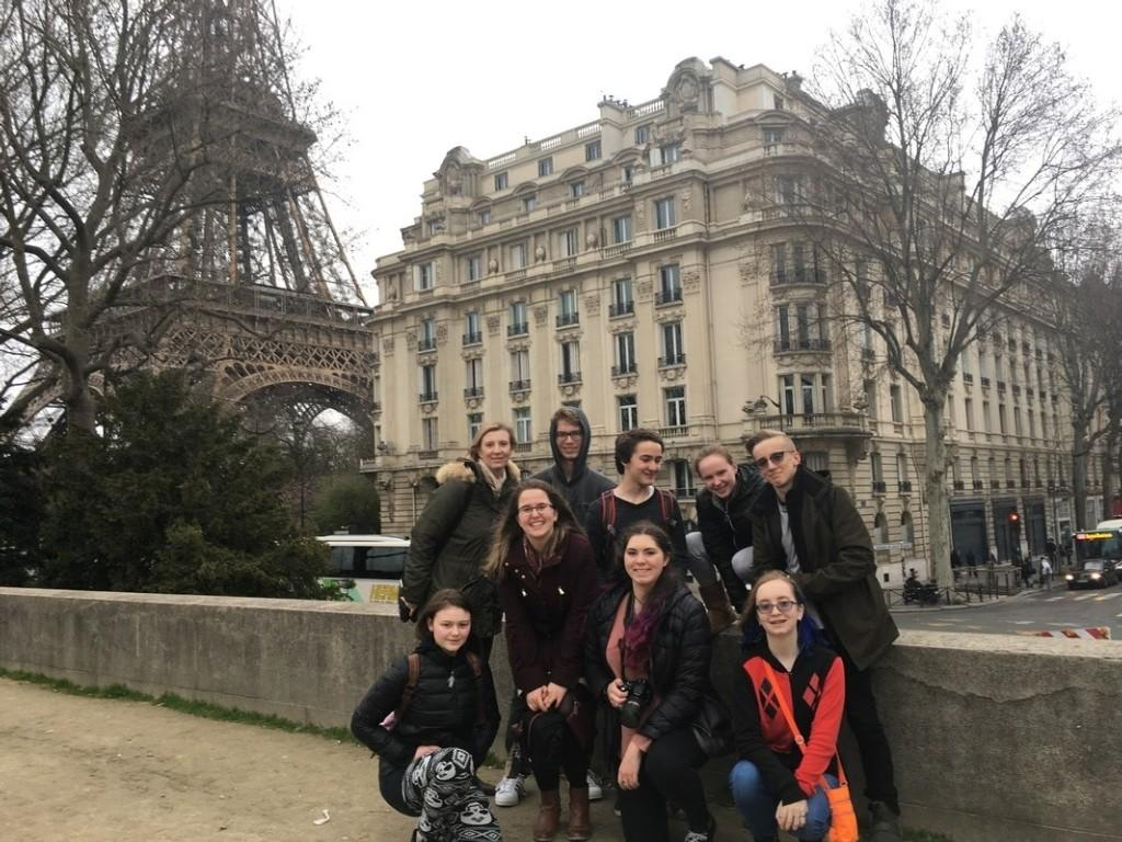 French class students on a field trip to Paris