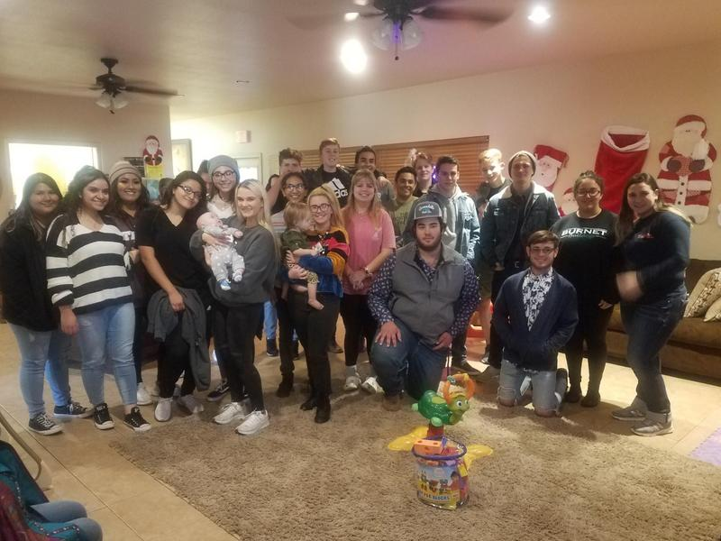 AVID Students Visit Foster's Home Thumbnail Image