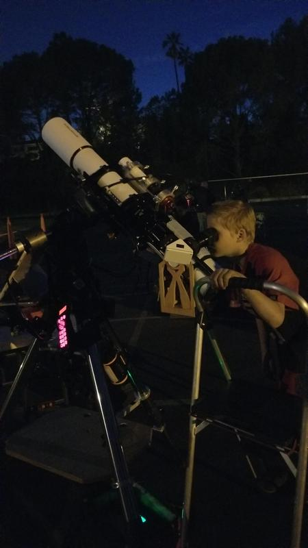 Castlebay Lane Hosts Astronomy Night Featured Photo