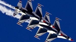 Thunderbirds--US-Air-Force-Demonstration-Squadron-jpg_3114467_ver1.0_640_360.jpg