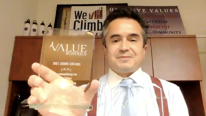 Mr Arroyo presents Jerry Awards
