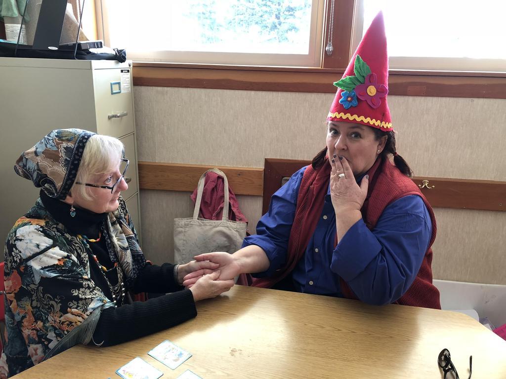 Gypsy card reader and garden gnome