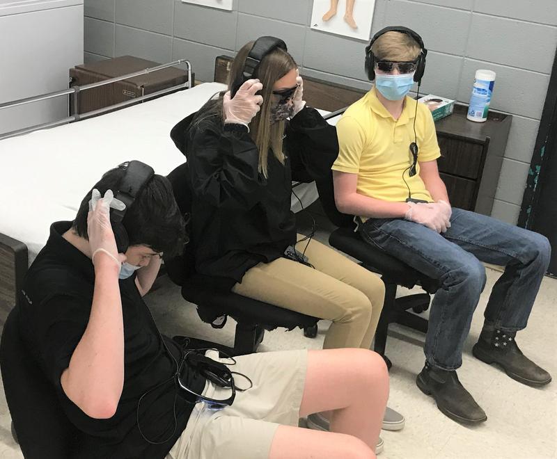 WLHS HOSA Students Virtual Dementia Students