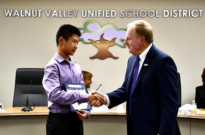 Walnut Valley USD Trustees Laud Star Parents, Students Featured Photo