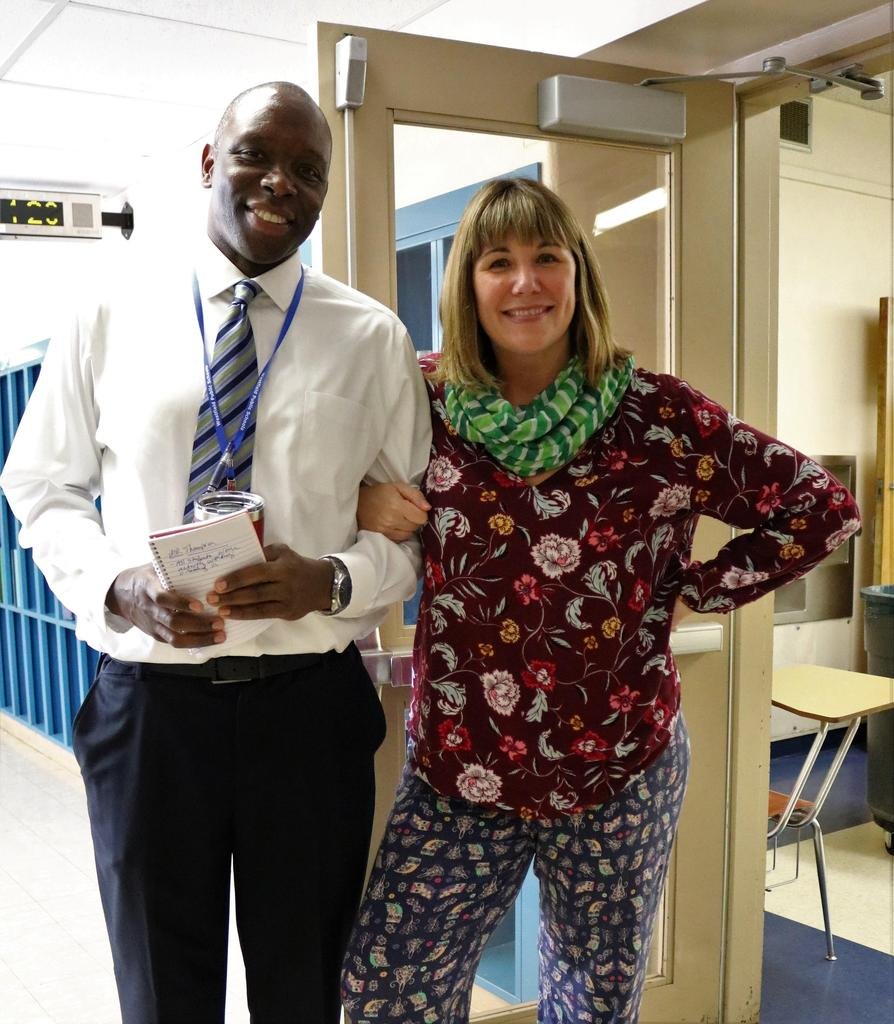 Photo of Roosevelt assistant principal and teacher in mismatched clothing on Mix It Up Day.