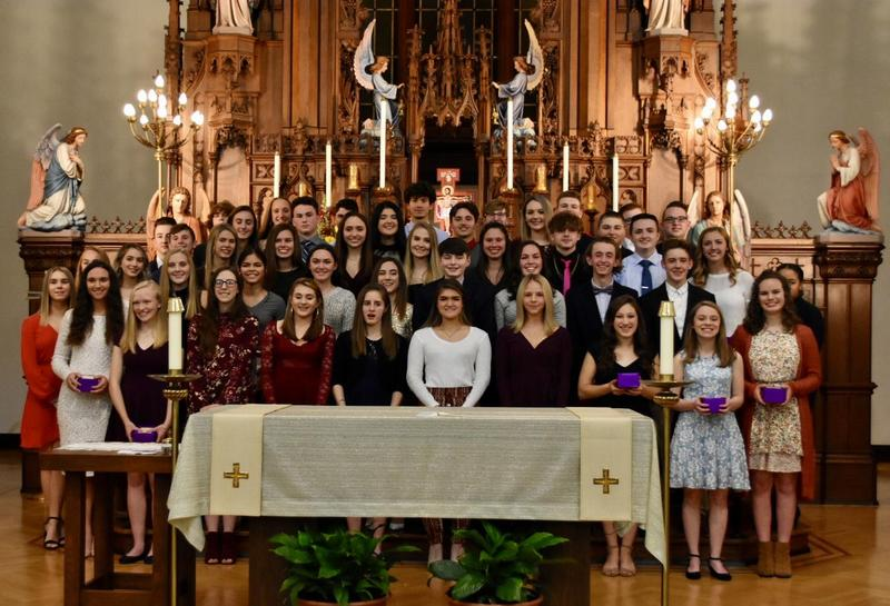 photo of the OLSH juniors at Ring Day in the chapel