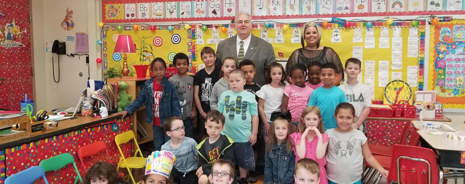 Superintendent Pallone visits with Ms. Heavner's first grade students