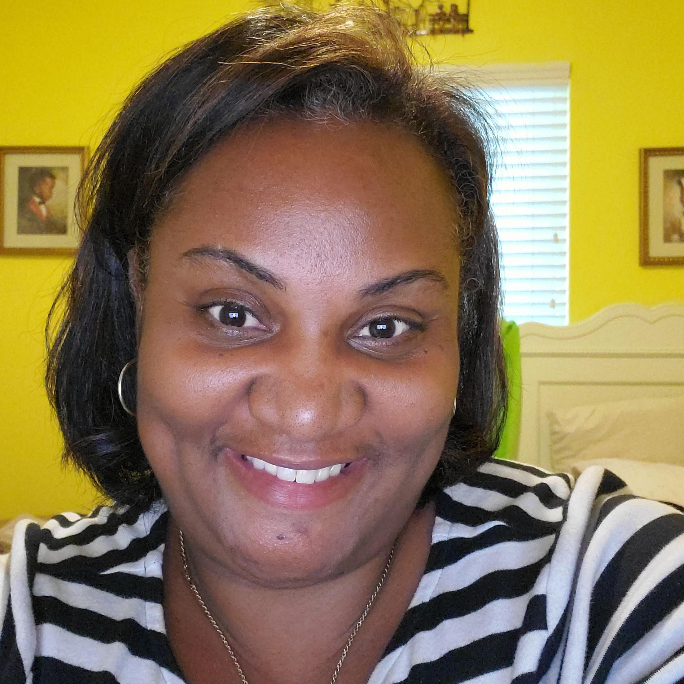 Tara Travers's Profile Photo
