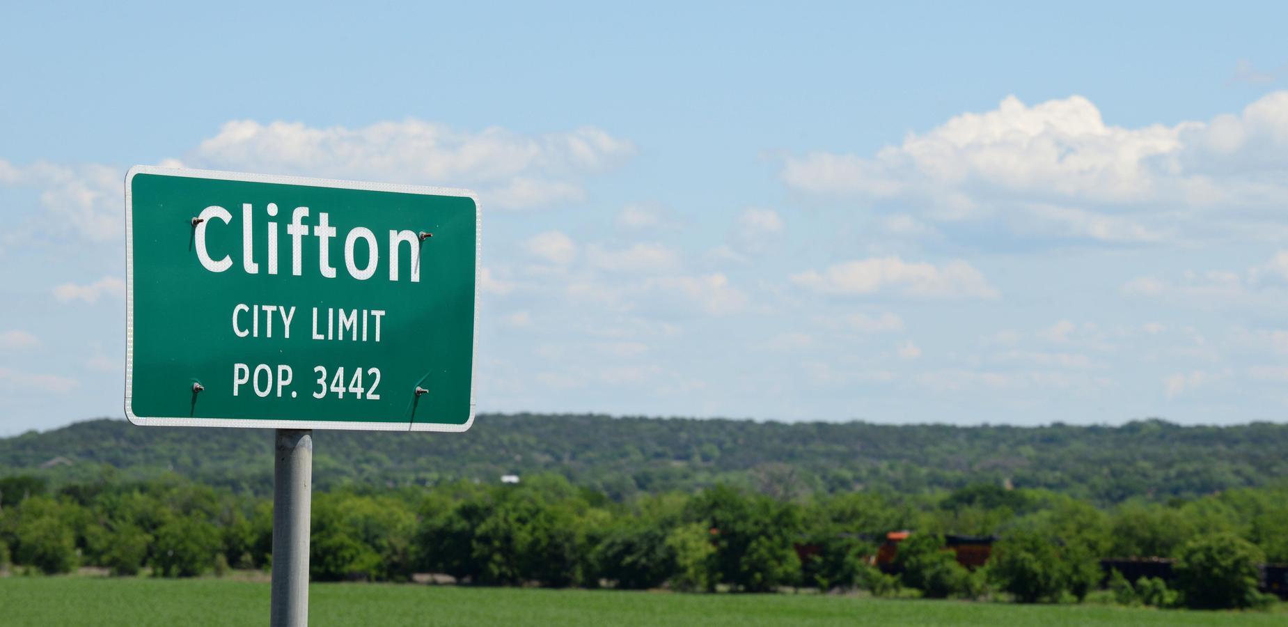 Clifton City Limits Sign Pop. 3442