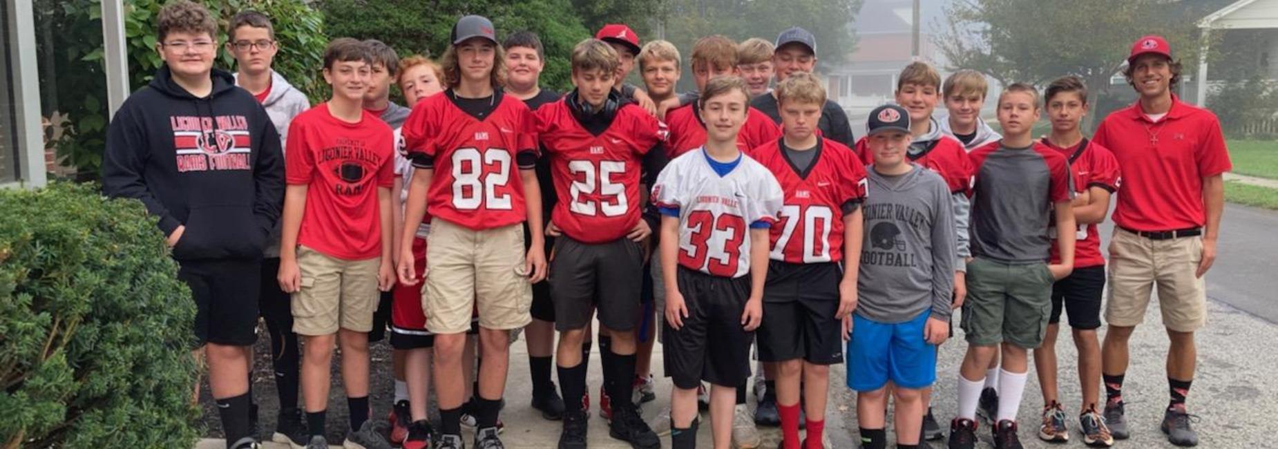 LV MS Football Team at food bank