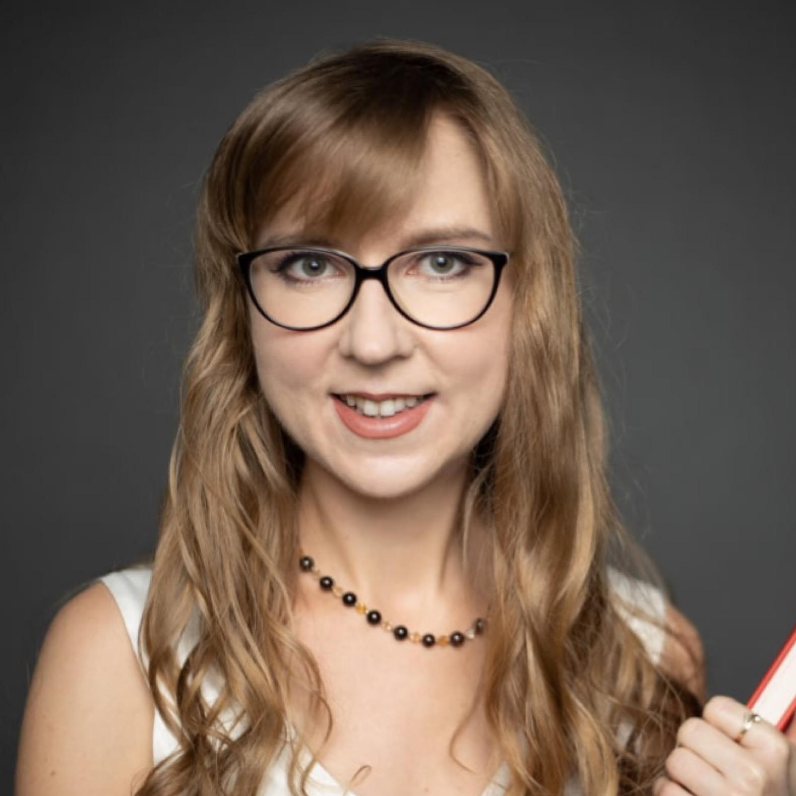 Olena De Lira's Profile Photo