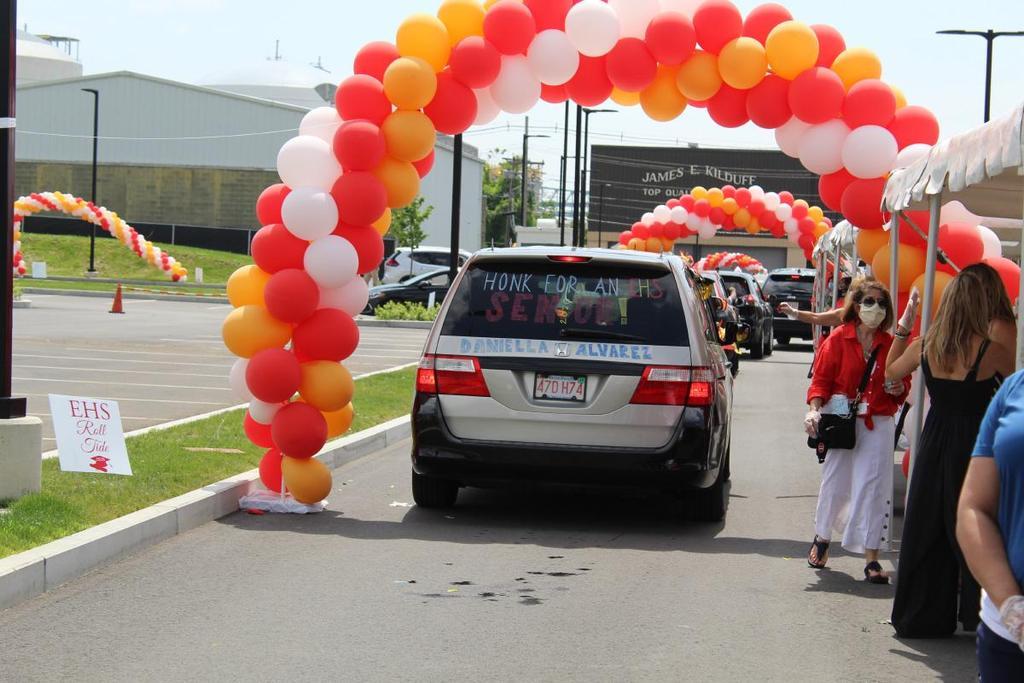 Rear of a car, balloon arch