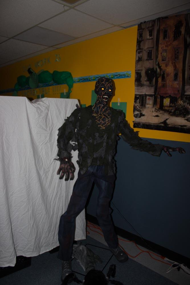 Haunted house decoration
