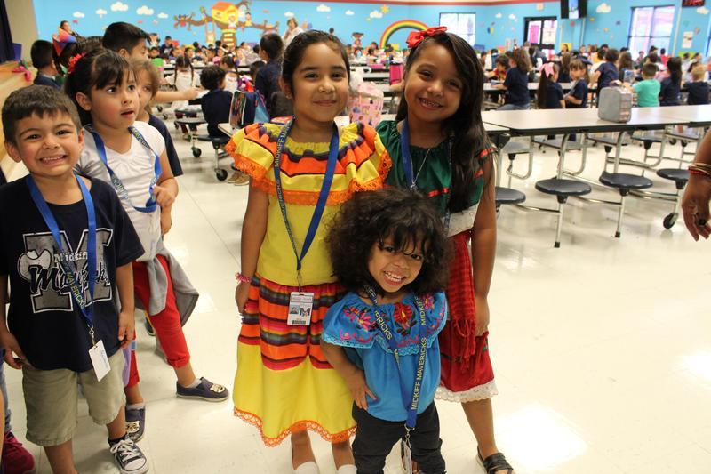 Students Celebrate 16 de Septiembre! Featured Photo
