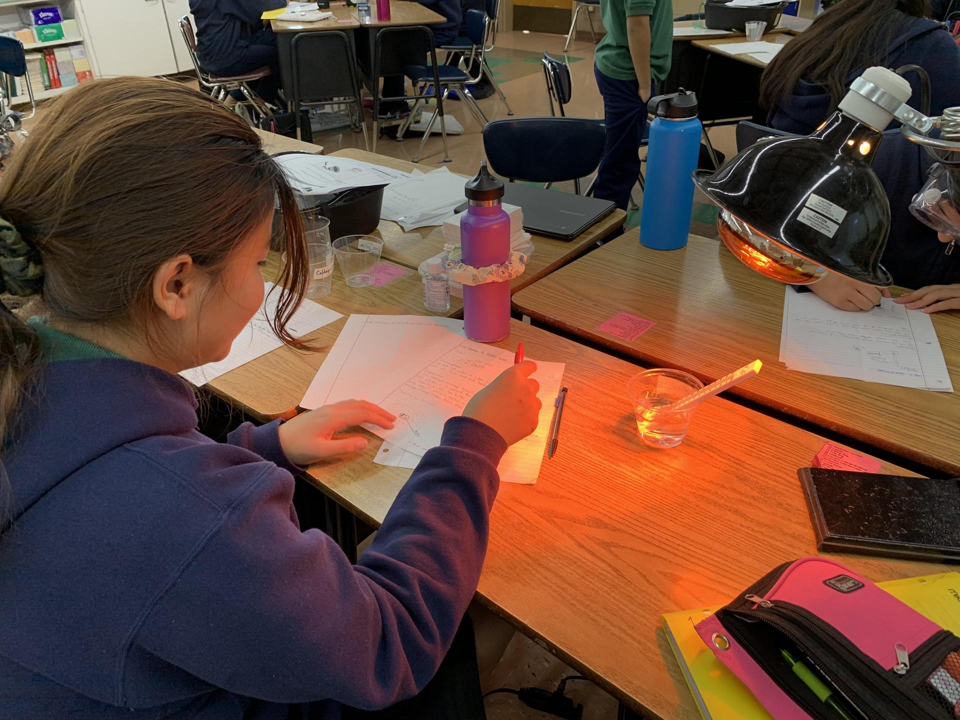 Hands-on learning by exploring heat transfer through radiation.