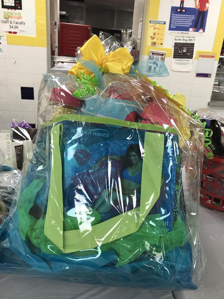 Summer fun bag basket