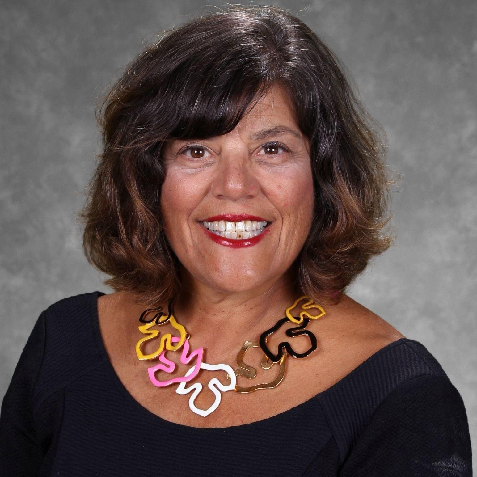 Elizabeth Basile's Profile Photo