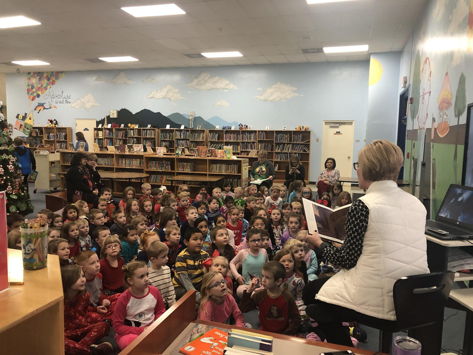 Mrs. Parsons reading polar express to MCES kindergarten