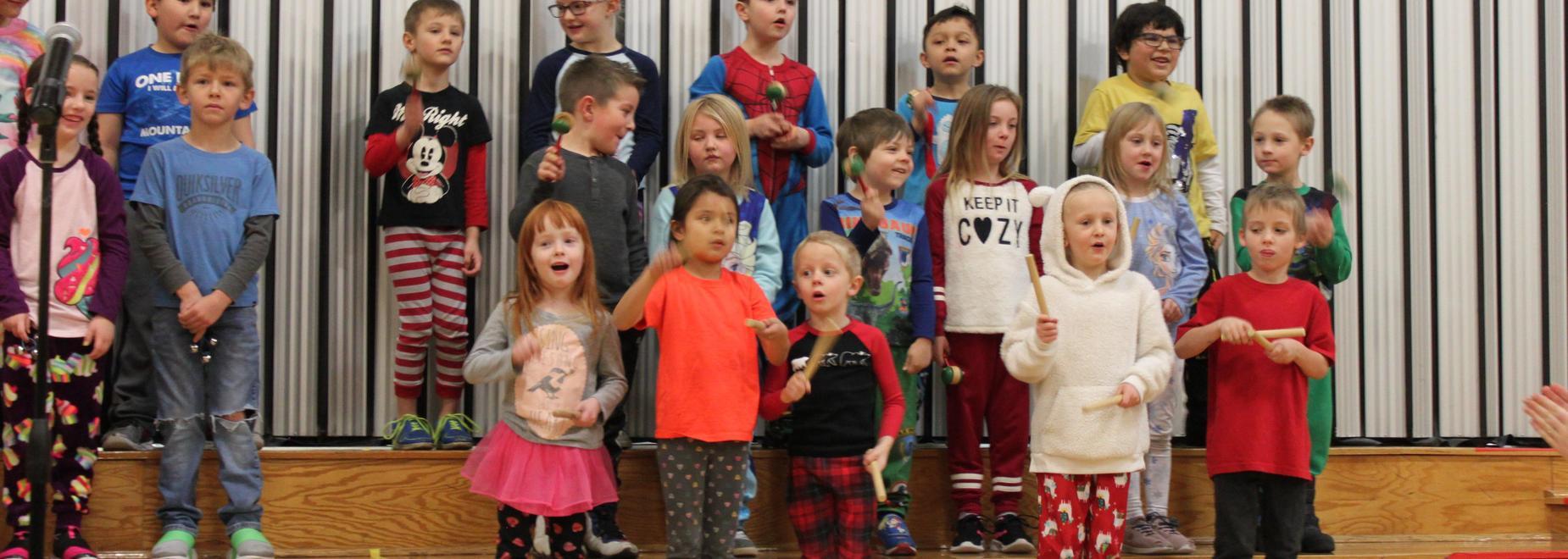 Kindergarten Christmas Music Practice