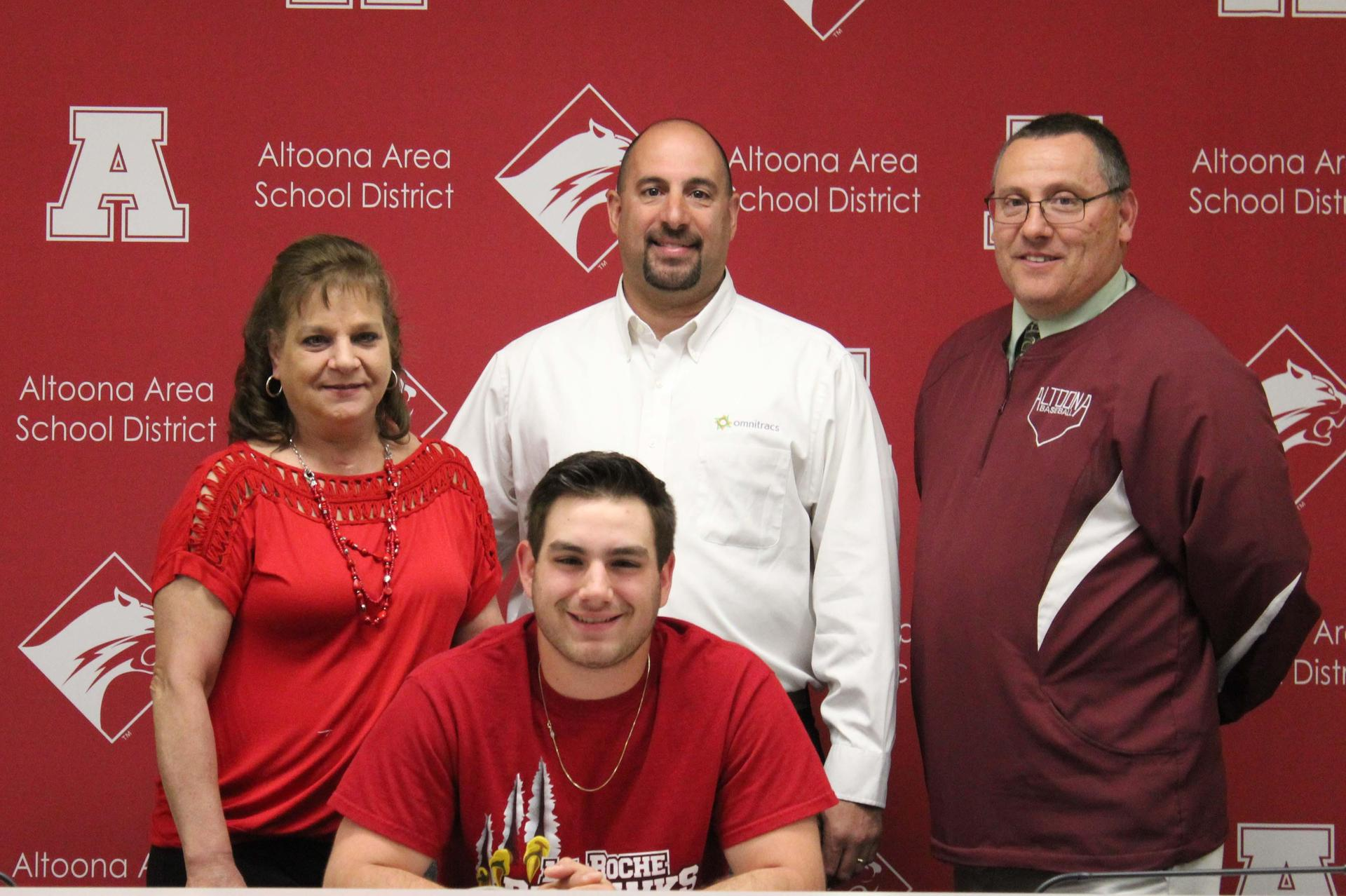 Adam Sinisi, Caoch Smith and Family