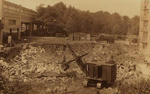 #ThrowbackThursday: Image of the 1911 constuction of Pelham Parkway