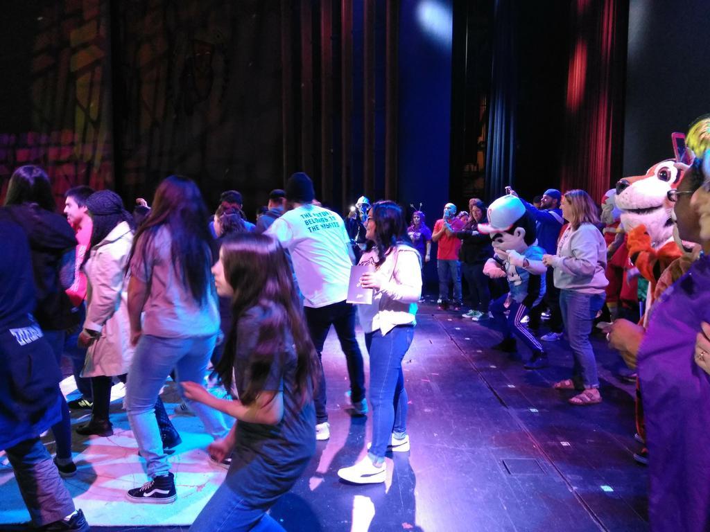 Nueva students @ Jostens Renaissance  2-1-18