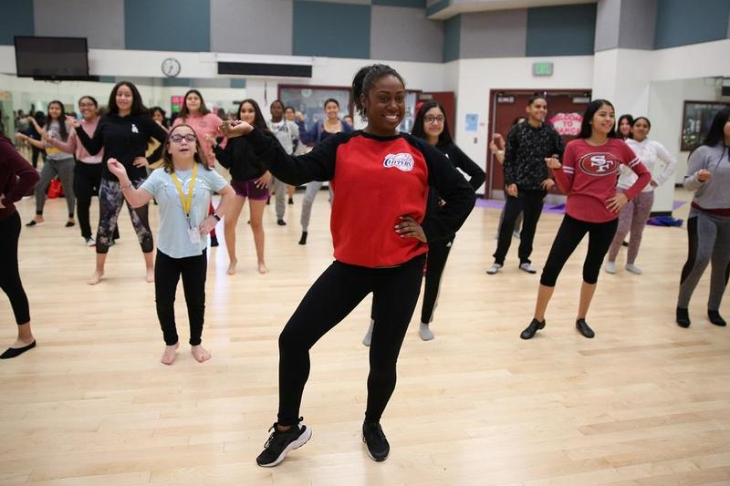 Lynwood High Dance Teacher to Perform with Los Angeles Rams During Super Bowl Featured Photo